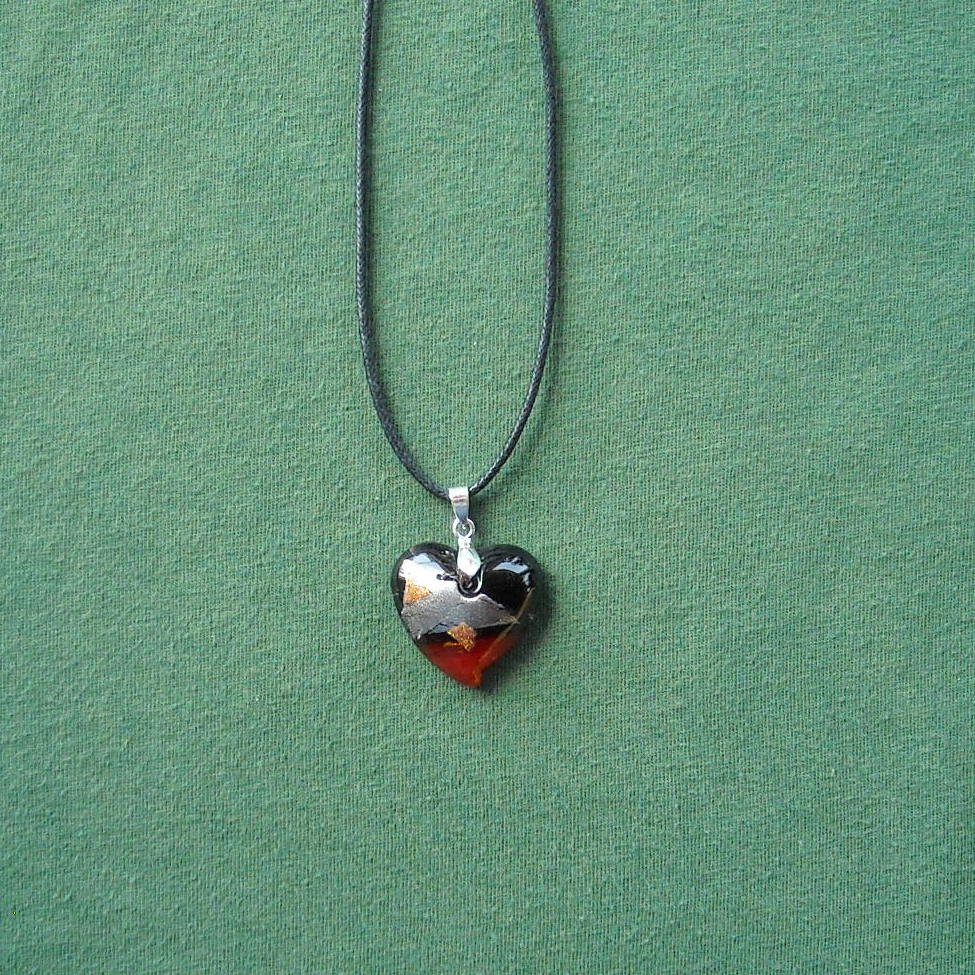 Murano style glass heart pendant necklace
