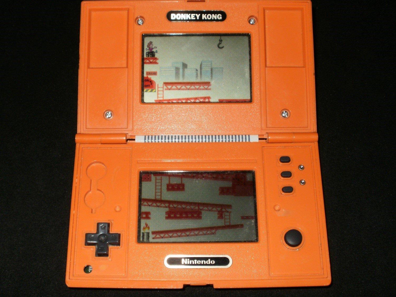 Game & Watch Donkey Kong - Vintage Handheld - Nintendo 1982