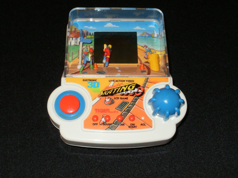 3D Blade Skating - Vintage Handheld - Tiger Electronics 1993 - Rare
