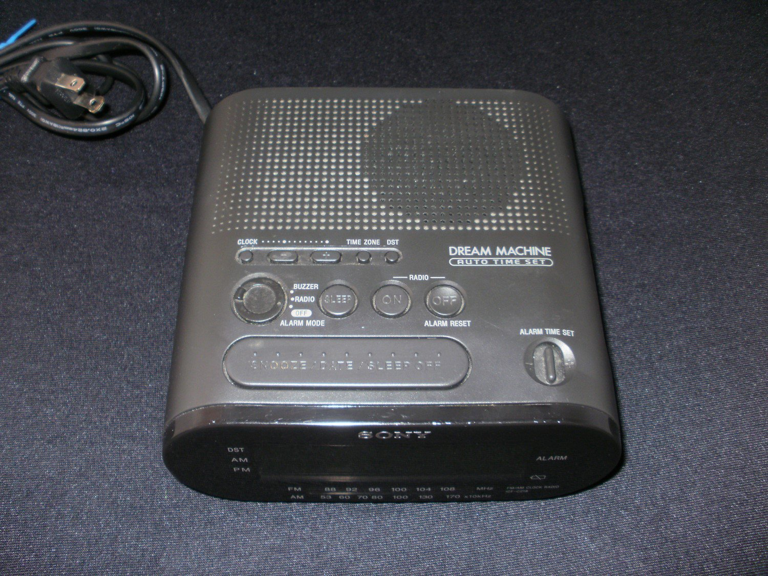 Dream Machine Alarm Clock Radio - Sony 2001