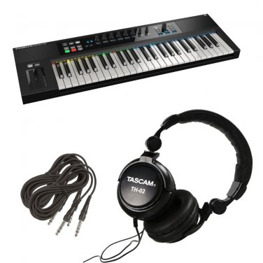 Native Instruments Komplete Kontrol S49 Keyboard. W/ Free Tascam TH02 and 2 TRS Cables.