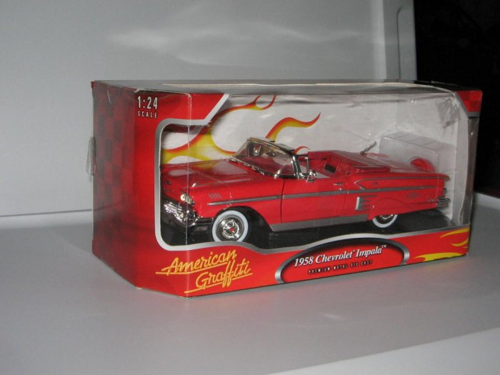 Motormax 1:24 Die Cast Red 1958 Chevrolet Impala
