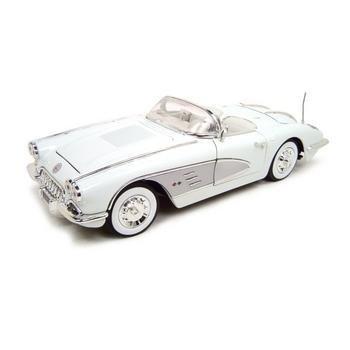 Motormax 1958 Chevrolet Corvette White 1:18 Diecast Model