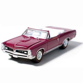 1967 Pontiac GTO Convertible Plum Mist 1/64 Car Muscle Car Garage Series