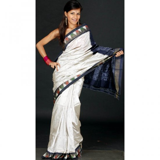 Elegant Ivory Ikat Temple Sari with Tissue Border