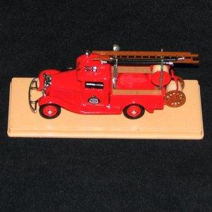 Eligor 1:43 1934 Trenton Fire Dept. No. 200 Ladder Truck