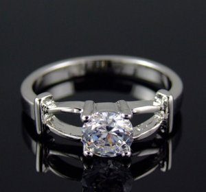 PRECIOUS DIAMOND 18 KGP WHITE GOLD PROMISE OR ENGAGEMENT RING SIZE 7**FREE SHIPPING**