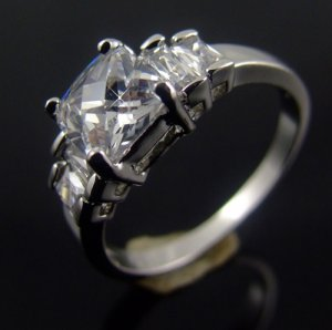 EXQUISITE 18 KGP REAL WHITE GOLD DIAMOND ENGAGEMENT RING SIZE 6**FREE SHIPPING**