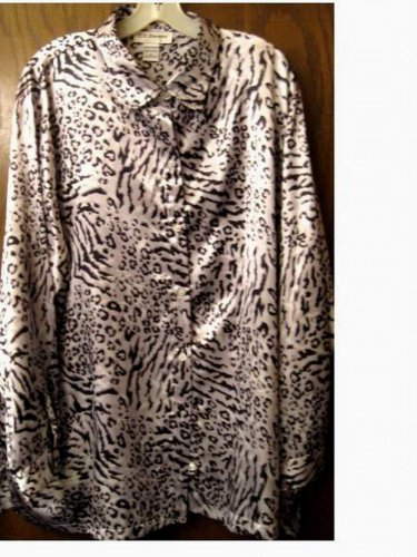 NWOT....Silver...Animal Print Blouse...Size 3X