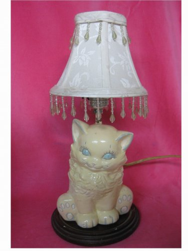 Vintage (1950's) - Ceramic White Cat/Kitten Table Lamp