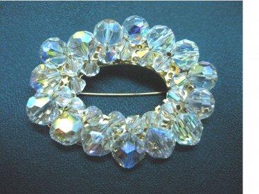 Vintage.....Beautiful Oval Crystal Pin