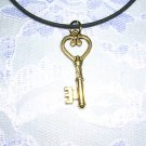 NEW DETAILED KEY GOLDEN HEART KEY PENDANT ADJ NECKLACE