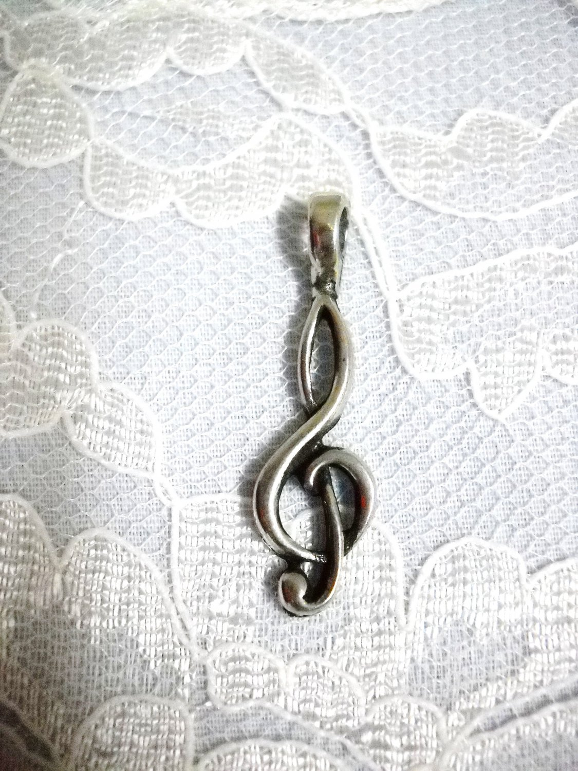 G CLEF TREBLE CLEF MUSIC SYMBOL PEWTER PENDANT NECKLACE