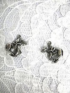 DERBY HORSE RACING JOCKEY RIDING HORSE CHARMS USA PEWTER DANGLING CHARM EARRINGS