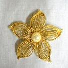 PRE-OWNED VINTAGE LARGE SIZED FANCY GOLDEN 5 PETAL FLOWER BLOOM BROOCH PIN