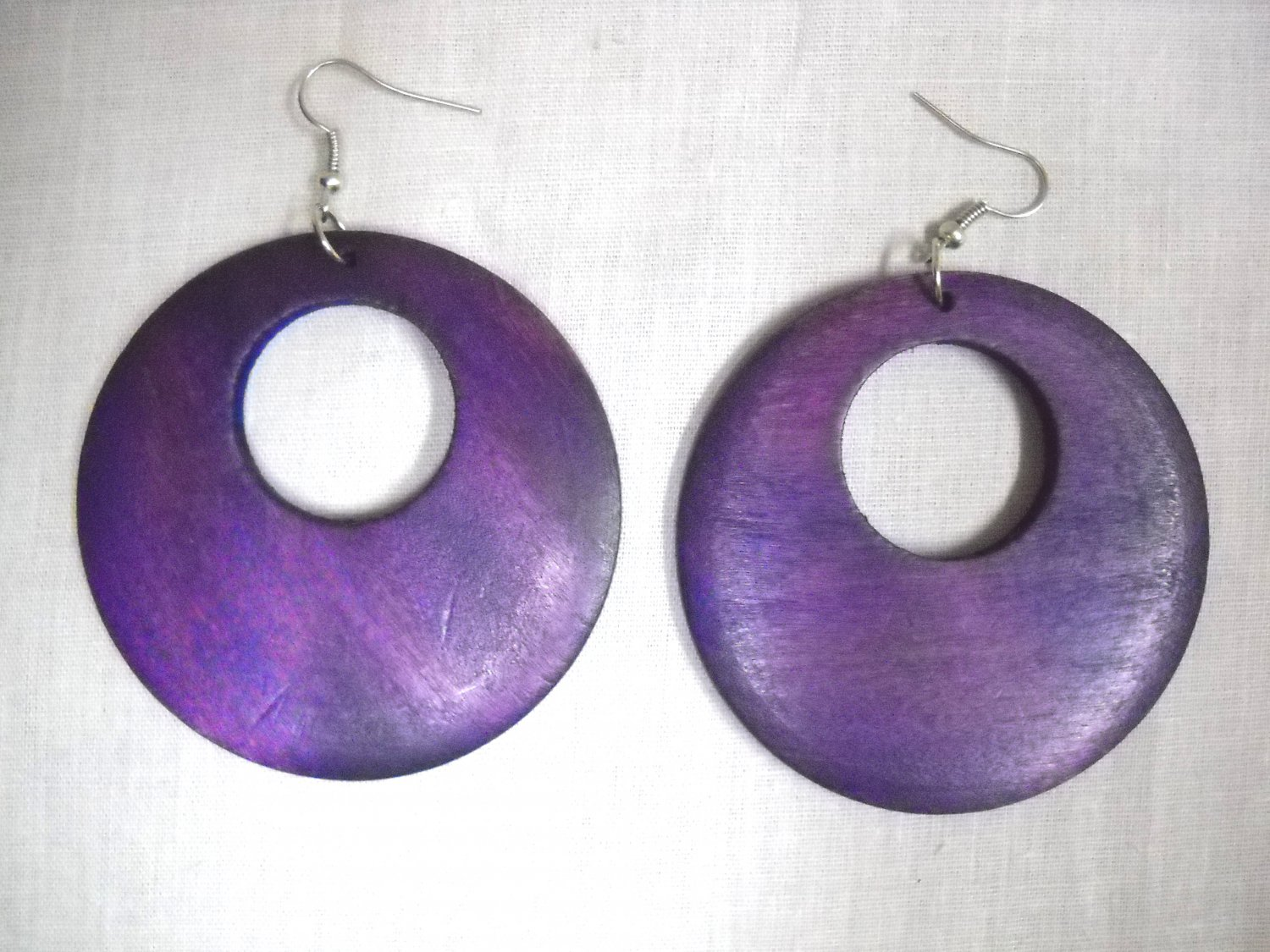 BIG SIZE LARGE RICH PURPLE STAIN WOOD ROUND EXOTIC DANGLING FLAT HOOP EARRINGS
