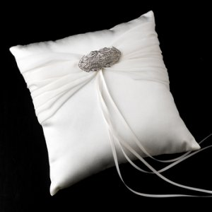 Ring Pillow 11 with Antique Silver Clear Brooch 3163