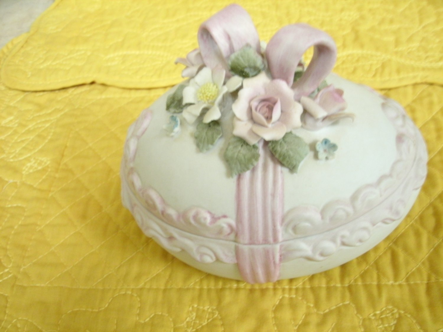 Lefton China Bisque Egg Candy Dish Or Trinket Container 1963 Hand Painted 5 1/2 Inches