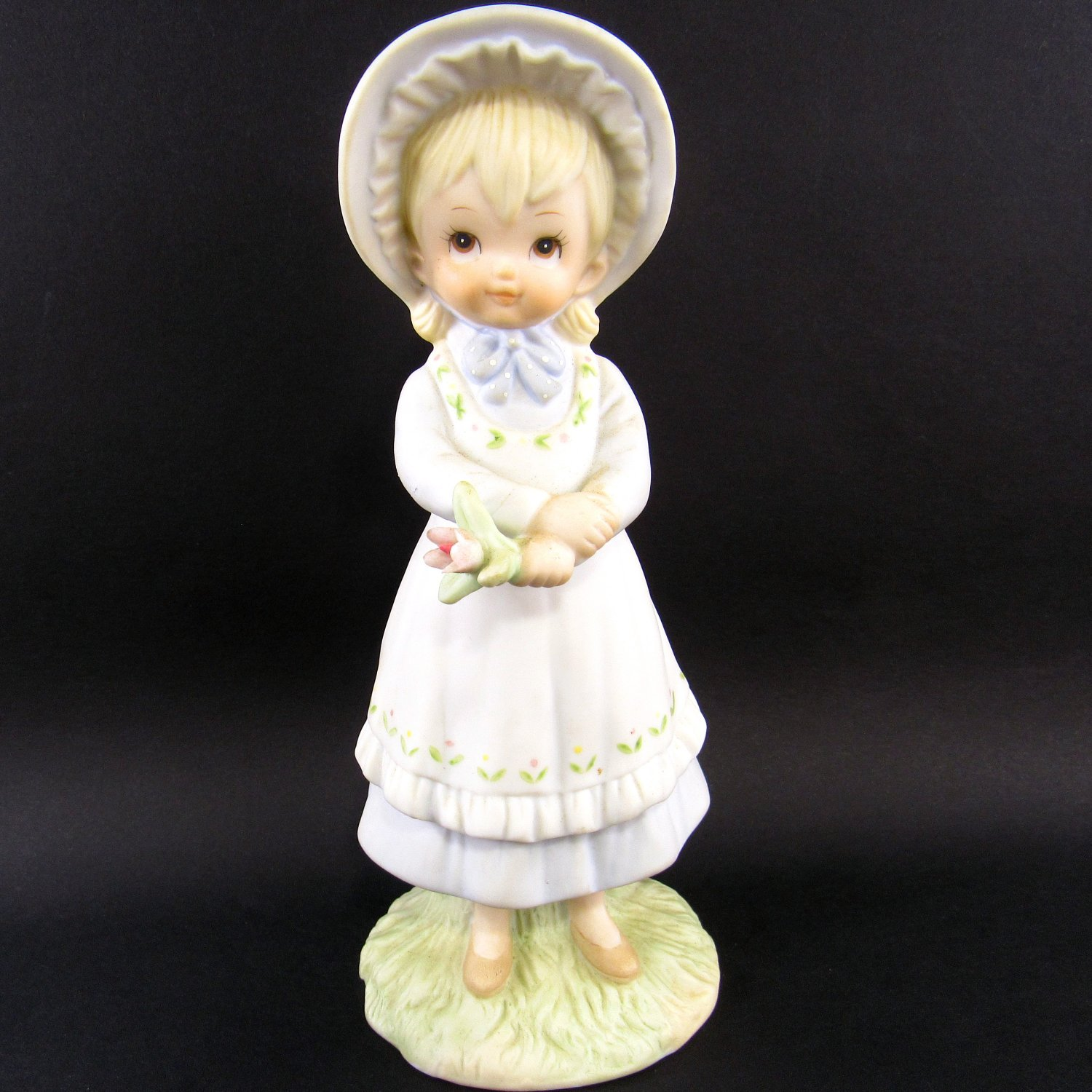 Lefton Figurine Warm Wishes and Flowers TWL-03854 Hand Painted 1980's 6 1/4 Inches Girl and Flowers