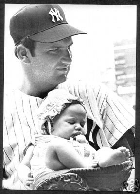 NEW YORK YANKEES- THURMAN MUNSON AND NEW BABY