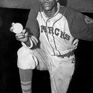 NEGRO LEAGUES- SATCHEL PAIGE - KANSAS CITY MONARCHS