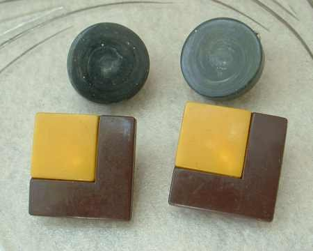 2 Pair Bakelite Art Deco Butterscotch Chocolate Clip Earrings Vintage Jewelry