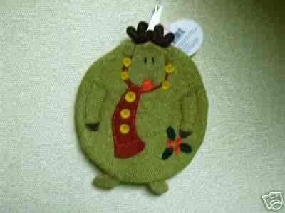 Russ Berrie Christmas - Moments of Wonder Reindeer Round Hot Pad FREE USA SHIPPING