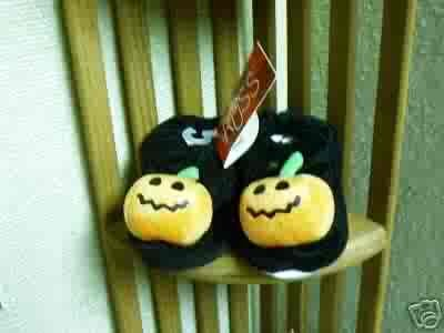 Russ Berrie Halloween Warm & Toasty Pumpkin Baby Booties - Black FREE USA SHIPPING!