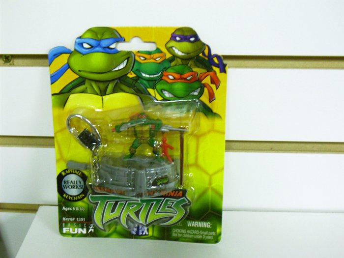 Teenage Mutant Ninja Turtles - TMNT - Raphael Playset Keychain Basic Fun - FREE USA SHIPPING