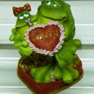 Russ Toadily Yours Valentine Frog Holding Girl 29077 FREE USA SHIPPING!