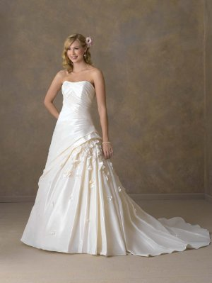 Futago BW0004 Gorgeous Strapless Wedding Dress
