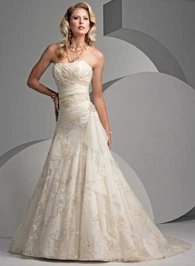 Stunning Lace Wedding Dress with Cap-sleeve HF035