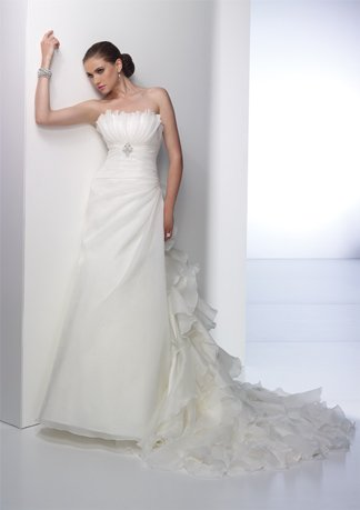 New Style Stack-up Train Strapless A-line Wedding Dress AI0003
