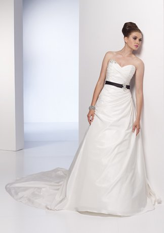Appliqued Sweetheart Strapless A-line Wedding Dress AI0010