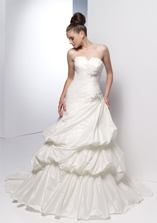 Asymmetrically Wraped Strapless Stack-up Wedding Dress AI0015