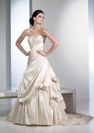 Appliqued Strapless Stack-up Wedding Dress AI0025
