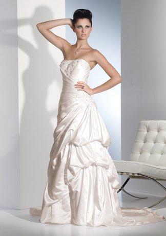 Asymmetrically Wraped Strapless Stack-up Wedding Dress AI0030