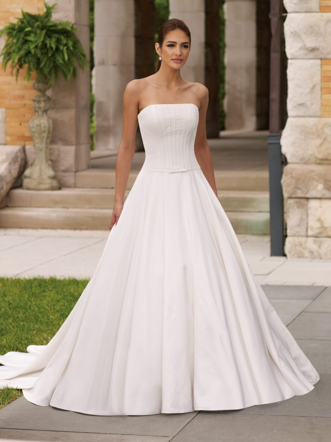 Simple elegant strapless wedding dresses