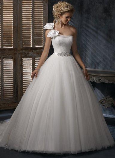 Wedding Dresses/ Wedding Gowns WM0044