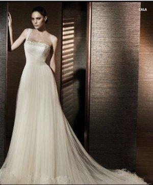 Wedding Dresses/ Wedding Gowns --Gorgeous Beaded One-shoulder A-line Wedding Dress SB0007