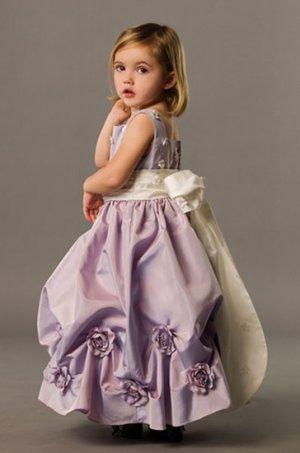 Cute and Lovely Stack-up Taffeta Wedding Dress Girl Dress VG0016