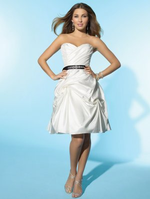 Wedding Dresses/ Wedding Gowns -- Stunning Gathered Sweetheart Strapless Short Wedding Dress WS0048
