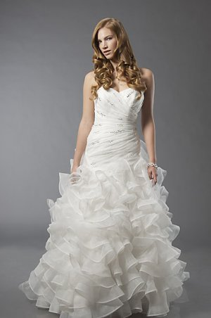 Scatter Beaded Sweetheart Strapless Wedding Dress AS0004