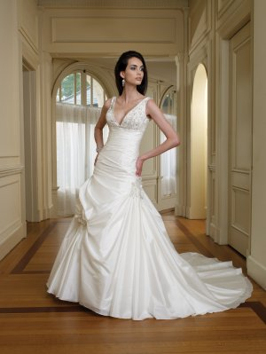 MC0037 Nice Beaded Stack-up Ball Gown Wedding Dress