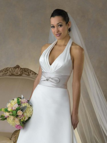 Futago Dress BW0015 Halter V-neck Wedding Dress