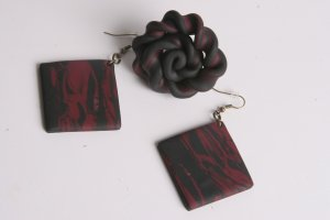 Black and Maroon Earring and Ring Set
