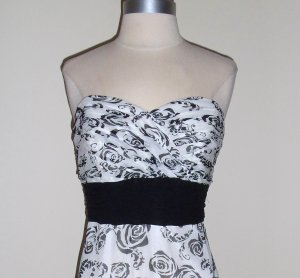 Strapless Floral Print Dress from White House Black Market Size 8