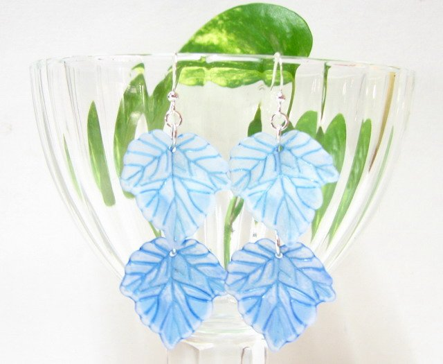 E1002 Impression of Flower-Blue Maple Earrings 6.5cm