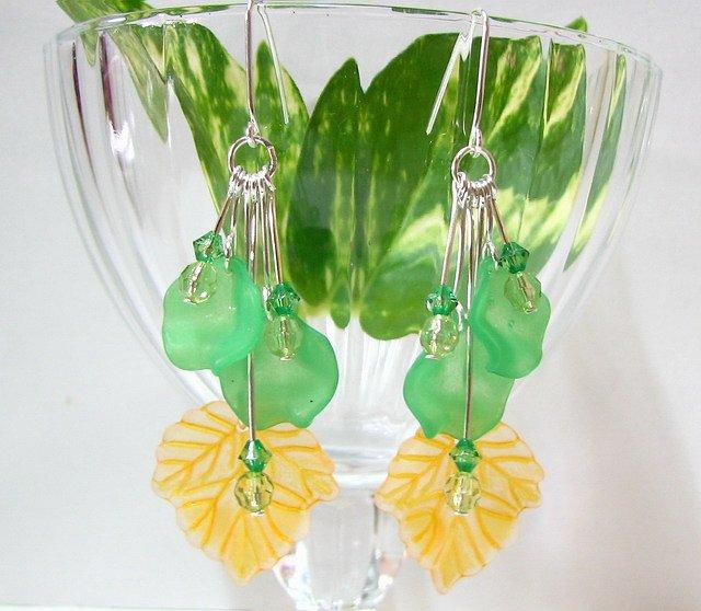 *FREE SHIPPING* E1026 Charming Pea Floral Dangle Earrings 7cm