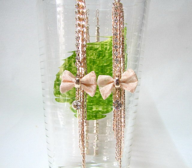 *FREE SHIPPING* E920g Golden Ribbon Rhinestone Clip On Earrings 11.5cm